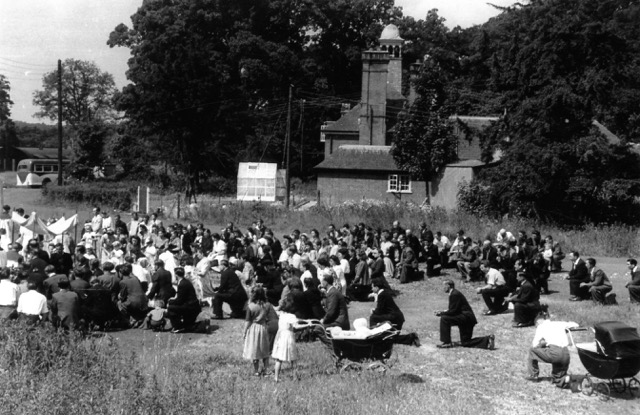 The Polish Comunty gather for an open air mass in Weeting Camp